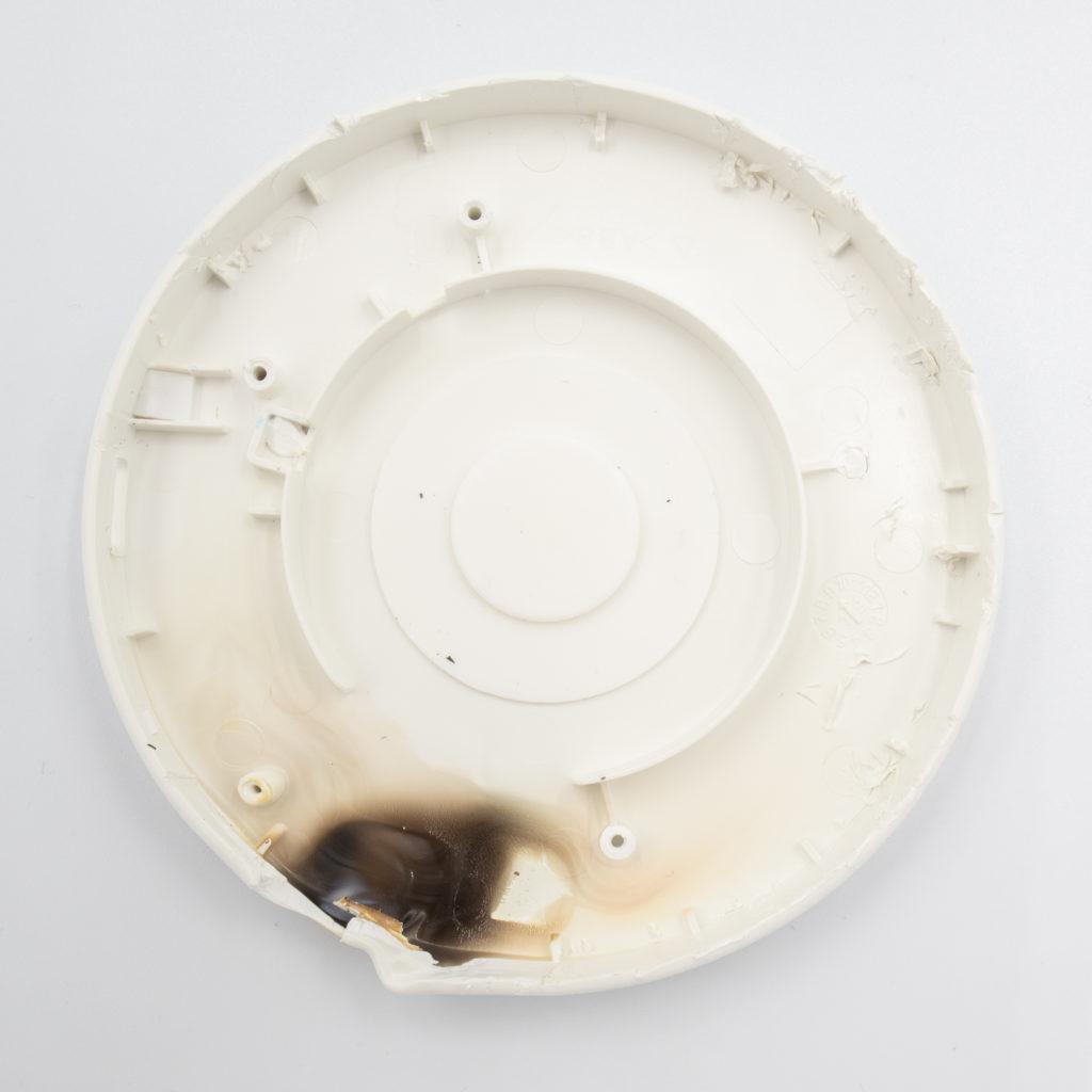 IKEA LIVBOJ Qi Wireless charger burned top cover inside